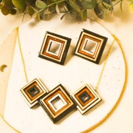 Juego de collar y pendientes geométricos