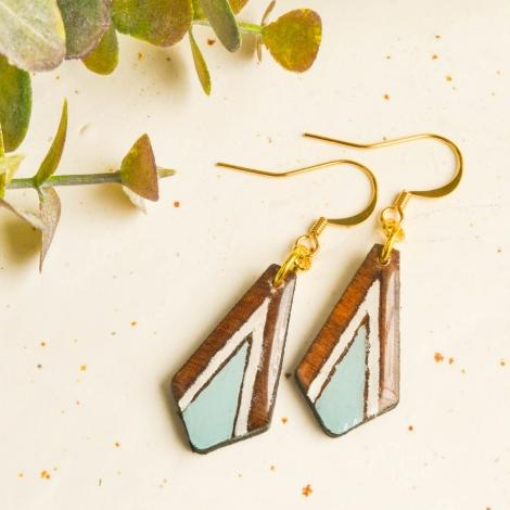 Long wood earrings bar