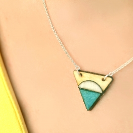 Tiny North necklace