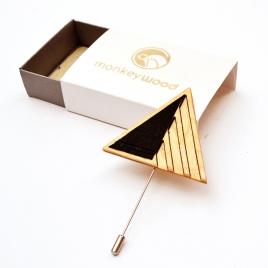 Tenagashima brooch